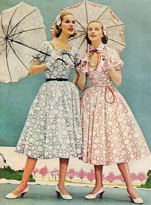 1950sfashionsullskirteddressandpara