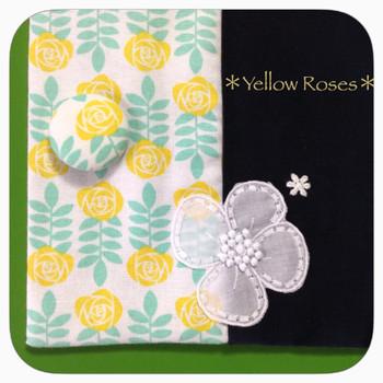 黄色のバラの聖書カバー
